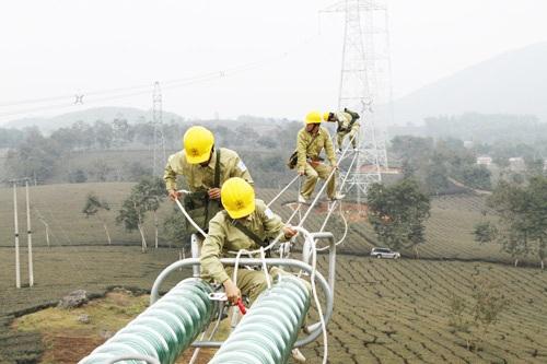 Tổn thất điện năng lớn khiến giá thành điện Việt Nam cao