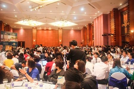 Hơn 1.000 khách hàng tham dự buổi Lễ mở bán tòa Park 3 ngày 21/3