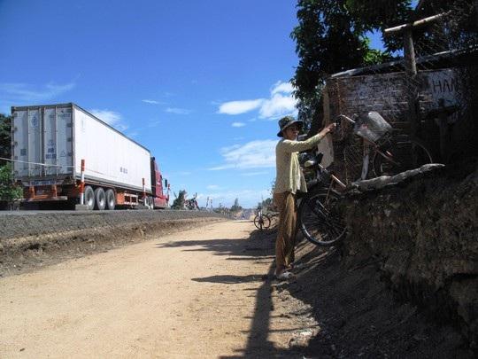 Thi công Quốc lộ 1 ì ạch, nhiều nhà thầu bị thay thế