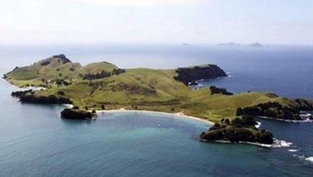 Hòn đảo du lịch Slipper, New Zealand nhìn từ trên cao.