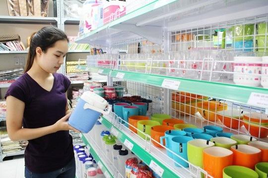 Một cửa hàng tại quận 7, TP HCM chuyên bán các mặt hàng được nhập về từ Thái Lan Ảnh: Hoàng Triều
