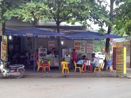 """Quán cơm """"chém"""" Hương Tuấn"""