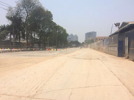 Đường Nguyễn Cơ Thạch kéo dài chạy qua dự án Goldmark City, ảnh cập nhật ngày 20.04.2015