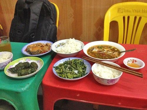 """Bữa cơm """"trị giá"""" 260.000 đồng của phóng viên báo ANTĐtại quán """"cơm chém"""" Hương Tuấn"""
