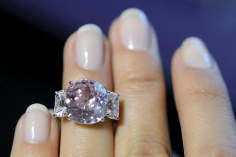 Viên kim cương hồng của công chúa Mathilde.