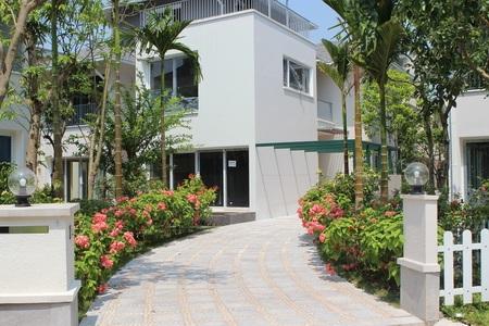 Biệt thự Vườn Tùng Vườn Mai trong không gian xanh mát của cây cối