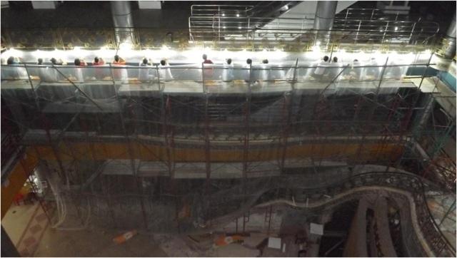 Các tư vấn chuyên nghiệp về bảo tồn mosaic của Mỹ, Ý đề nghị dùng phương án bóc tách khảm gạch mosaic – các công trình bảo tồn mosaic ở các nước khác đều sử dụng phương án này. Và công việc bóc tách và bảo quản thảm gạch do khoa Lịch sử - Trường đại học Khoa học xã hội và nhân văn TPHCM đảm nhiệm, hoàn thành trong 3 tháng.