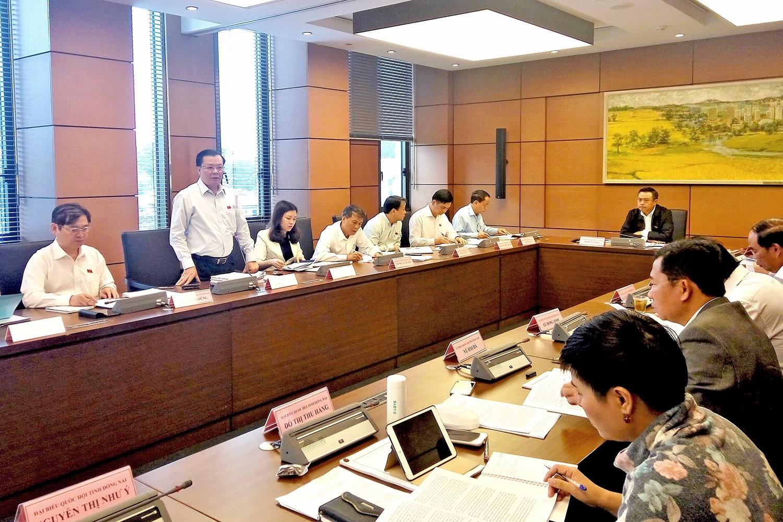 Bộ trưởng Tài chính phát biểu tại phiên họp. (Ảnh MOF)