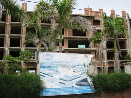 Dự án xây dựng khu dịch vụ nghỉ dưỡng Hoàng Đức bị ngưng hoạt động từ 2 năm nay do thiếu vốn