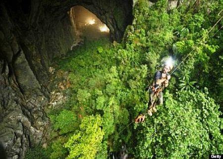 Hang động Sơn Đoòng, điểm du lịch khá hấp dẫn đối với du khách