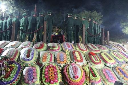 Hành lễ trước phần mộ Đại tướng vào thời khắc giao thừa