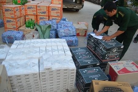 Hàng lậu với số lượng lớn bị đồn Biên phòng CKQT Lao Bảo bắt giữ