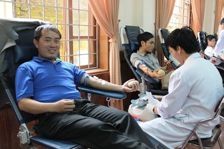 Anh Hưng cảm thấy vui vẻ vì có thể san sẻ giọt máu hồng của mình để cứu người