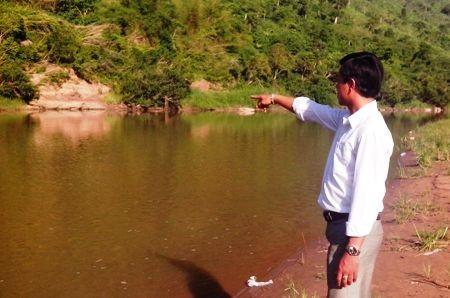 Đoạn sông nơi 2 bố con anh Chất bị đuối nước