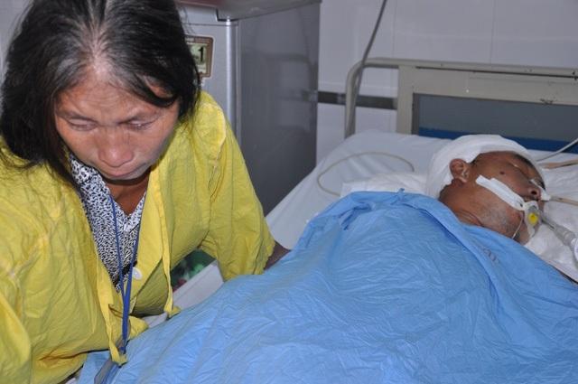 Cô Vấn những ngày đi chăm em Nhường tại bệnh viện Việt Đức.