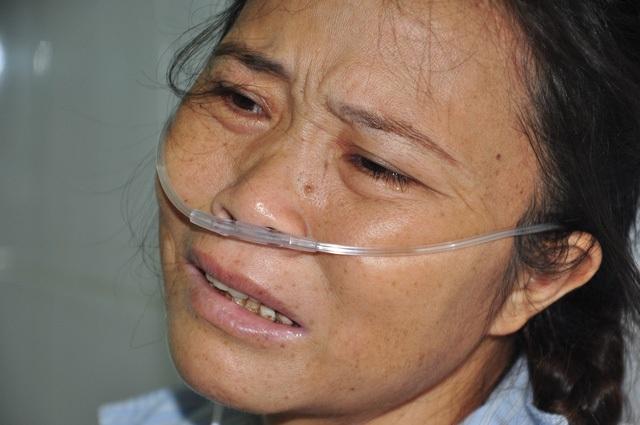 Chị Hòa những ngày tháng 10 đi viện với cái chết nắm chắc trong tay.