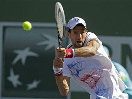 """Djokovic dễ dàng đi tiếp, hàng loạt các """"Sao"""" bị loại"""