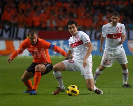 Trong 8 lần gặp nhau, Hà Lan thắng 3 hòa 3 trước TNK