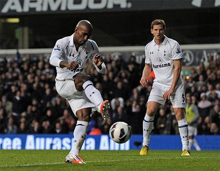 Và bàn thắng của Defoe ở phút 62 đã đem lại chiến thắng cho Spurs