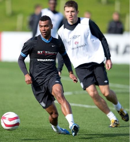Cole tập trung cùng tuyển Anh nhưng được đá với San Marino hay không còn là dấu hỏi