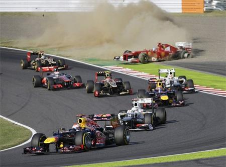 Alonso sớm phải từ bỏ cuộc đua sau khi gặp tai nạn