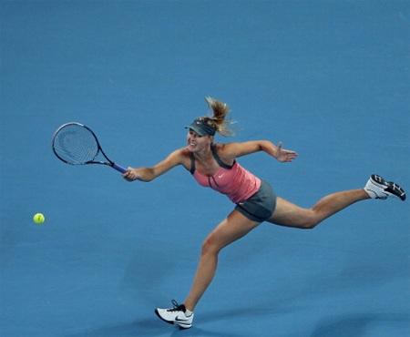 Sharapova thắng cả 3 trận ở vòng bảng