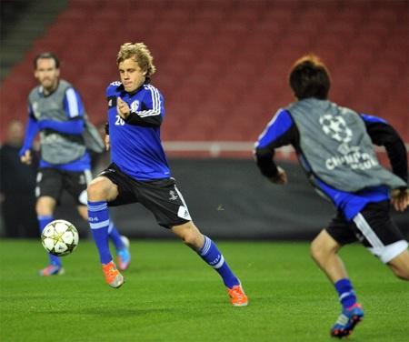 Schalke thường xuyên thi đấu tồi trên đất Anh