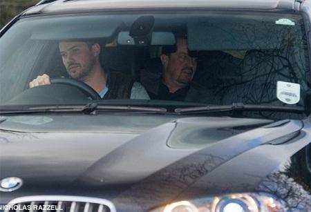 Rạng sáng nay theo giờ Việt Nam, HLV người Tây Ban Nha, Rafa Benitez đã tới London