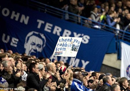 CĐV của Chelsea vẫn rất nhớ Di Matteo