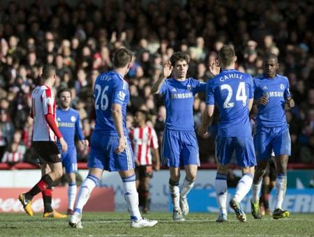 Sự tỏa sáng của Oscar đã giúp Chelsea gỡ hòa