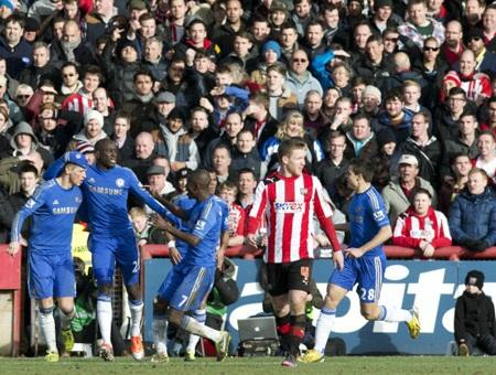 Chelsea có những giờ phút căng thẳng trước viễn cảnh thua trận