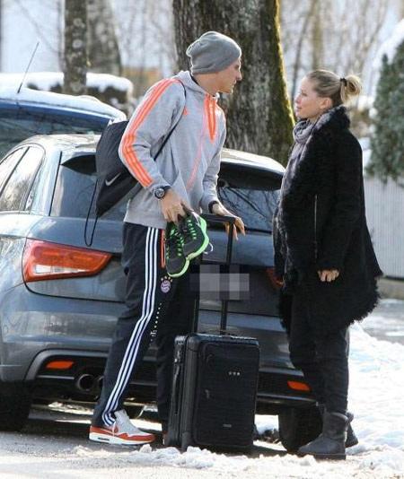 Chân sút đang khoác áo Bayern Munich vừa mới công khai người yêu mới