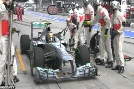 Hamitlon về lại McLaren trong giây lát