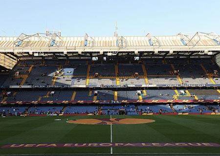 Stamford Bridge yên bình trước giờ bóng lăn