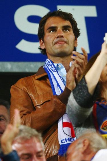 Federer đến cổ vũ cho đội bóng quê nhà