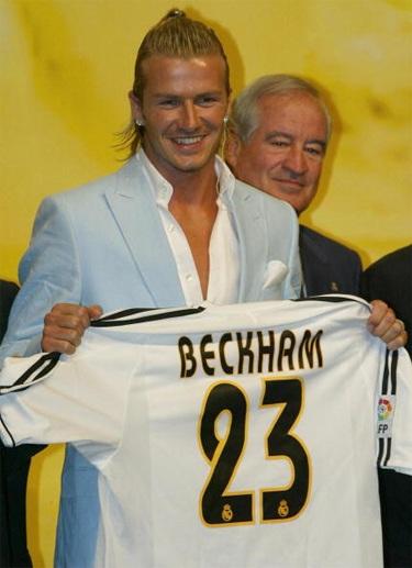 Tháng 7/2003, Beckham rời MU để đầu quân cho Real Madrid