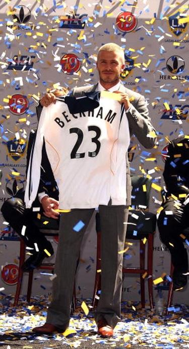 Becks trở thành cầu thủ đầu tiên ngoài châu Âu thi đấu cho Los Angeles Galaxy