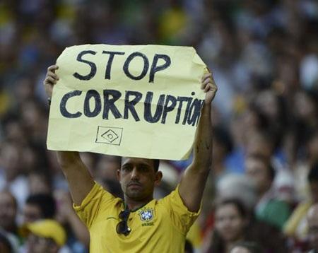 Biểu ngữ này mang ý nghĩa mong chính phủ chặn đứng nạn tham nhũng