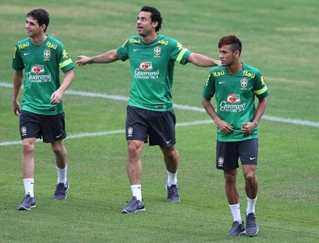 Neymar, Fred,Oscartiếp tục là những niềm hy vọng lớn của đội chủ nhà