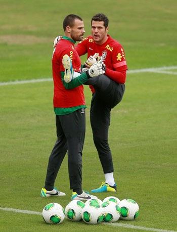 Thủ thành Cesar đang luyện tập cùng đồng đội
