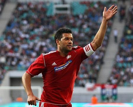 Cựu danh thủ Đức đã ghi 2 bàn