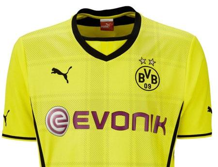 Áo trên sân nhà của Dortmund năm nay