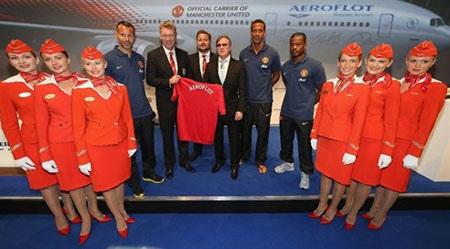 Chiếc áo lưu niệm của MU được in tên Aeroflot