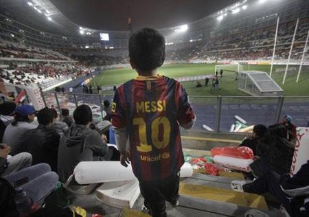 Đây là cơ hội hiếm có để các CĐV tại Lima có thể chiêm ngưỡng Messi bằng xương bằng thịt