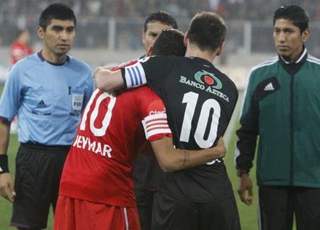 Messi và Neymar tỏ ra khá thân thiết
