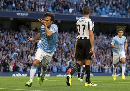 Man City có bàn thắng mở tỷ số và người lập công là Silva