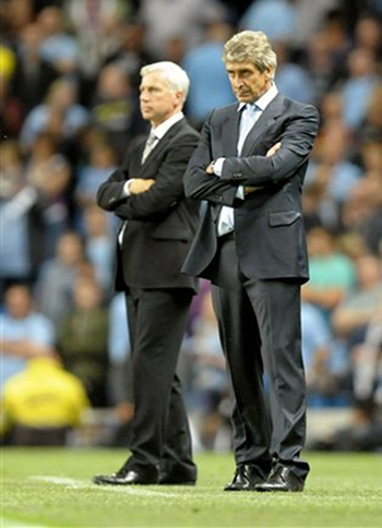 Pellgrini không quá vui mừng dù đội bóng của ông đá trên chân đối phương