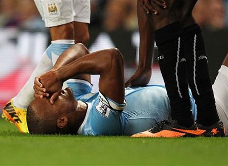Tổn thất cho Man City khi Kompany gặp chấn thương ở phút 71
