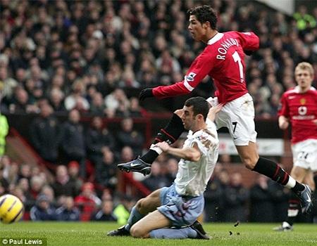 Ronaldo có 9 bàn thắng ở mùa giải thứ 2 tại MU