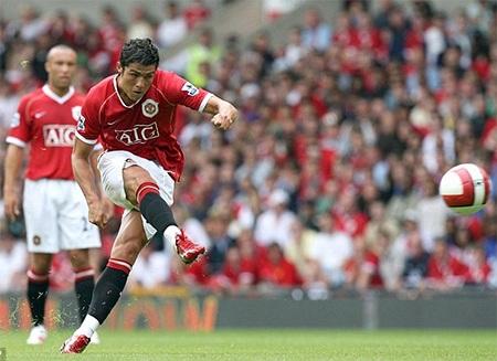 Ronaldo bắt đầu thiết lập phong cách đá phạt riêng